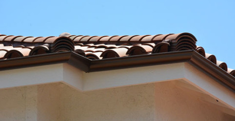 Used 2-piece tiles in the front and a custom blend of S tiles behind to save money without sacrificing aesthetics